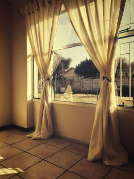 Room to rent R2000 per month
