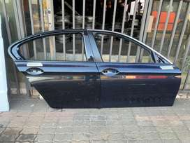 Bmw M5 F10 right front and rear door