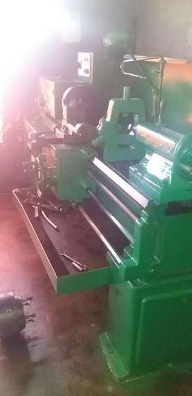 Tos Trencin lathe Heavy Duty for sale