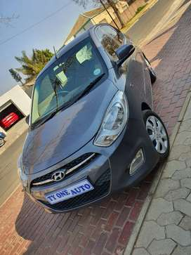 Hyundai i10 1.1 GLS with only 89000km!!!