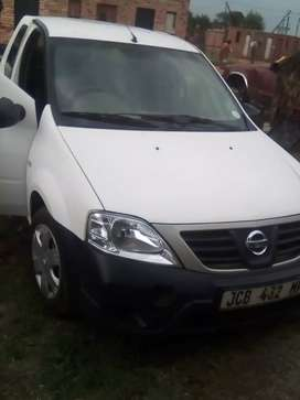 Nissan p200 1.5 dci year 2016