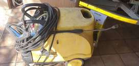Pressure Washer / Steam Cleaner