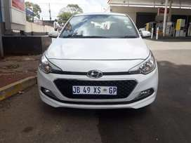 Am selling my Hyundai i20  FSH 1.4 engine