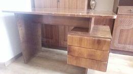 Писменый стол 1968 года изготовлен в Чехии.