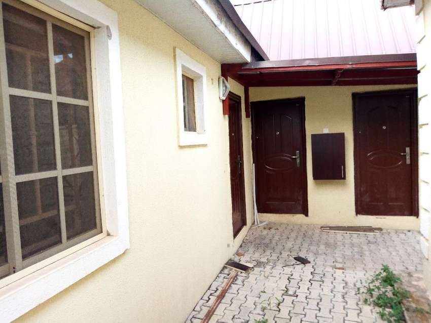 TO LET: Clean 1bedroom flat at Trademore estate Lugbe District Abuja 0
