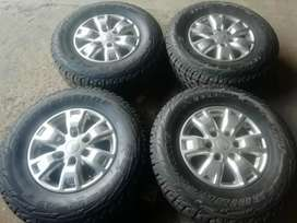 16 inch ford randger with 255/70 16 brand new tyres Bridgstone