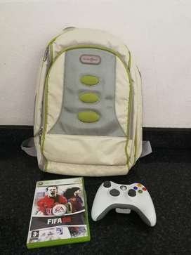 XBOX 360 BAG WITH REMOTE AND GAME
