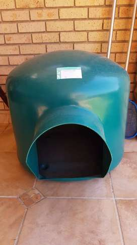 Igloo Kennel
