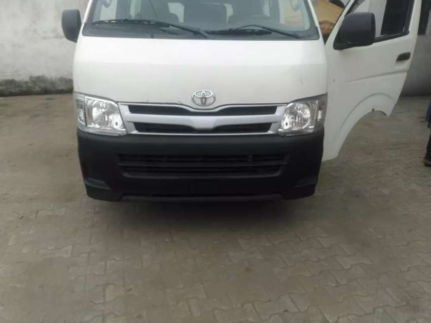 Extremely clean TOKUNBO 2008 TOYOTA HIACE 0
