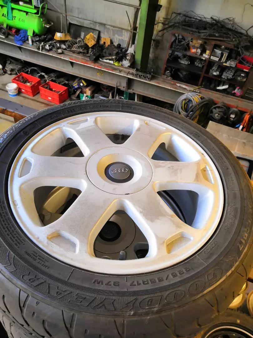 Kola Audi A6 Allroad 0