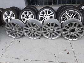 Toyota Hilux mags size 17 set for sell