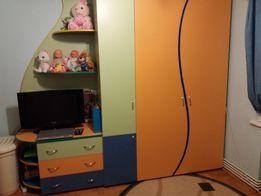 Меблі для дитячої кімнати,шафа,комод, стіл