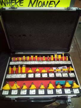 35 pcs Router bits set in case 261Aug20