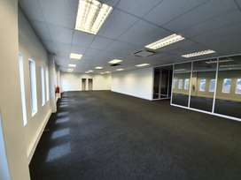 Modern 315m2 office space to rent