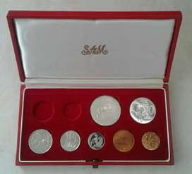 1967 S.A short proof set with silver R1
