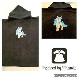 Hooded Towel in black with Embroidered Unicorn