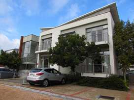 103m2 Office to Let in Century City