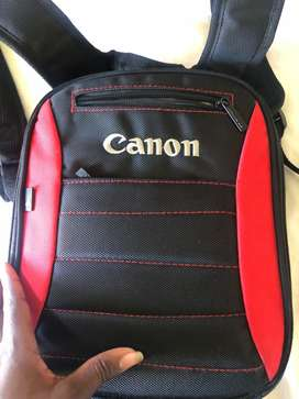 Hey, I'm selling a Canon 1300D camera