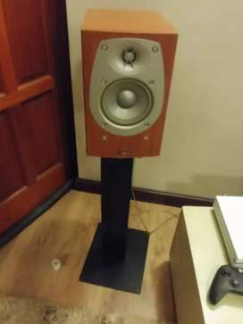 Infinity Beta 10 Speakers with Stands