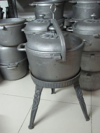 Kociołek żeliwny 10 litrowy Duży Garnek na stojaku zakręcany Rybnik - image 1