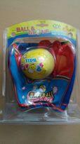 Бейсболл перчатка с мячом