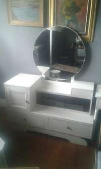 Image of Art deco dressing table