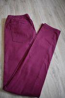 Burgundowe spodnie Pieces