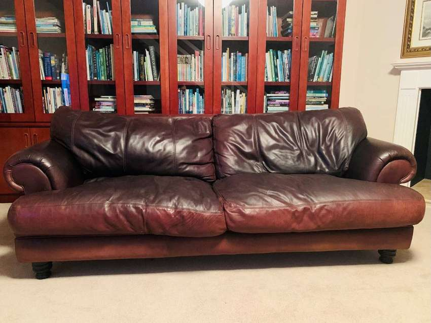 Bovine 3-seater couch in excellent condition (genuine leather)