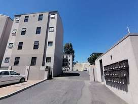 2 Bedroom flat for sale in Malmesbury!