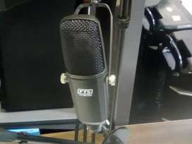 Professional Studio Microphone with Foldable Stand