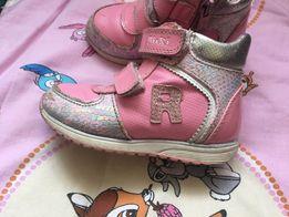 Взуття Bikі для дівчинки 23 р