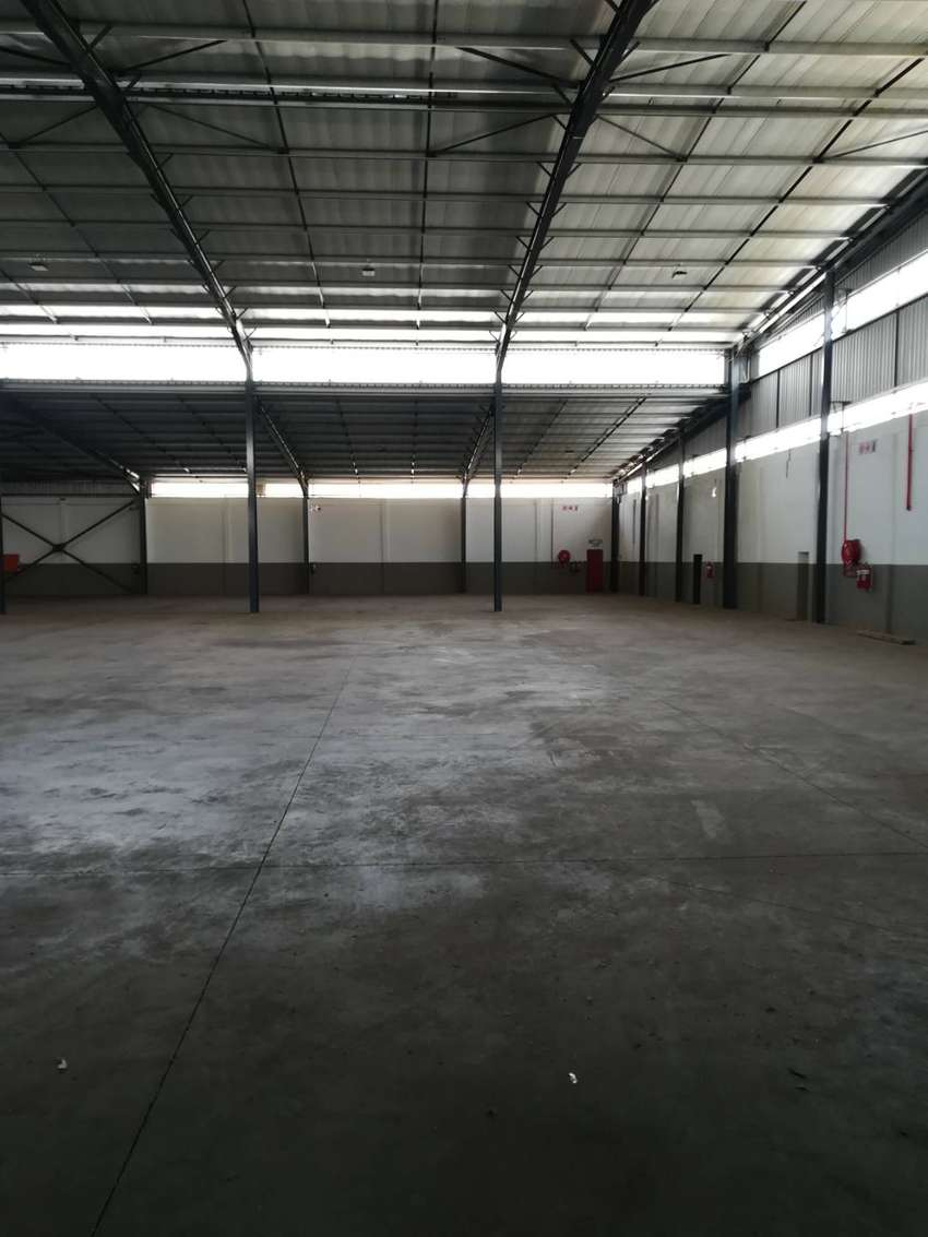2417m2 warehouse to let in Benoni Industrial