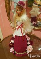 Кукла Барби с конфетами из гофрированной бумаги.