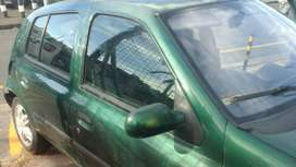 Hello I am selling my Renault clio 1.4 like it this ,  problem is key