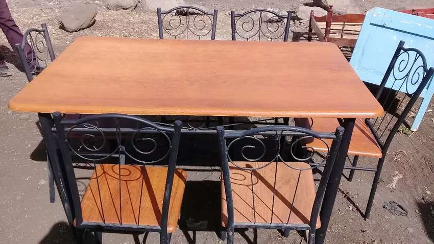dinning table (price include chairs) 0