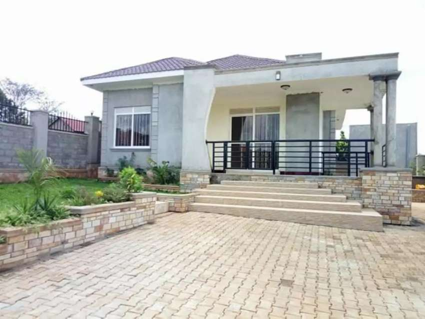 House on sale in Gayaza 0