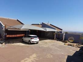 Single rooms and Sharing to rent in a commune at Naturena