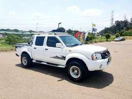 NISSAN HARDBODY NP300 2.4 - EXCELLENT CONDITION