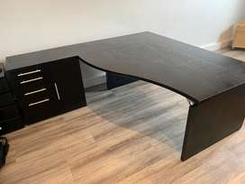 Large Cluster Desk (with drawes)
