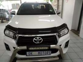 White Toyota Hilux GD-6 2.4  D/Cab
