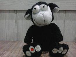 Maskotka czarna owieczka z radiem