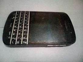 BlackBerry Q10, Long lasting Battery, Touch and Type.