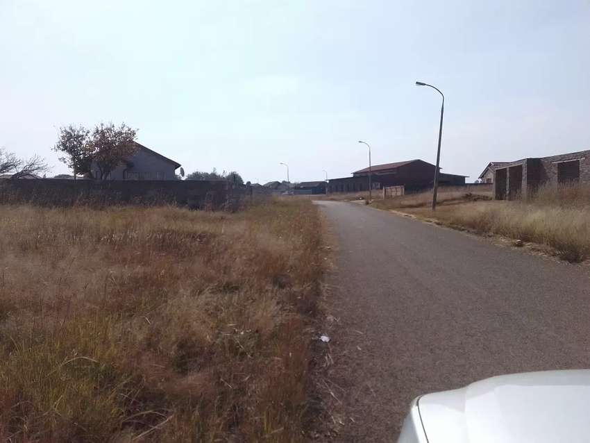 8000 square meters stand in Dawn Park Ext 2 for sale