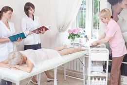 Обучение косметологии Курсы косметолога наращивание ресниц корр бровей