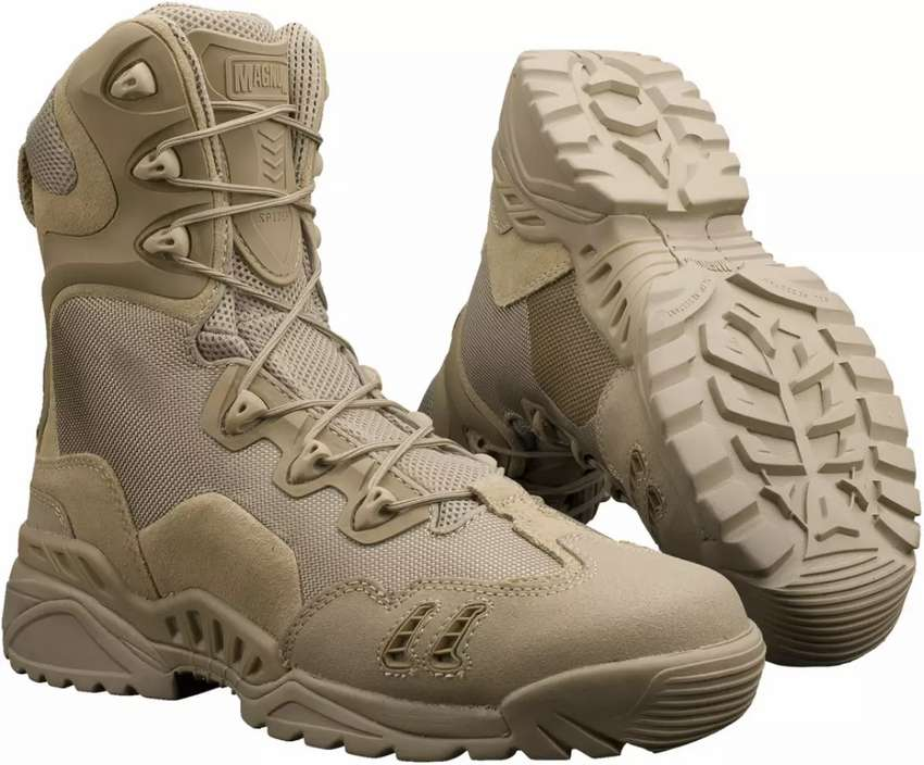 Magnum army boots. 0
