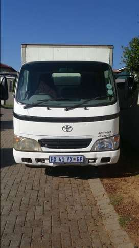 Toyota Dyna truck 2.5 ton up for sale.