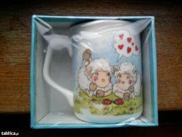 Nowy kubek w owieczki w eleganckim pudełeczku, idealny na prezent!