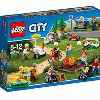 Lego City 60134 Zabawa w Parku 15 Minifigures Nowe