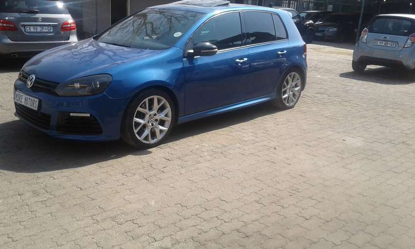 2012 golf 6 2.0 with sunroof 0
