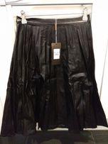 Trapezowa, plisowana spódnica z ekoskóry, nowa, rozmiar S, midi